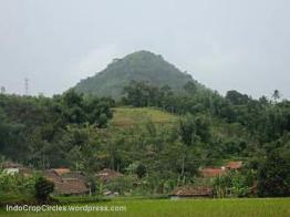 Gunung Lalakon, Bandung, West Java