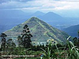 Gunung Sadahurip, Garut, West Java