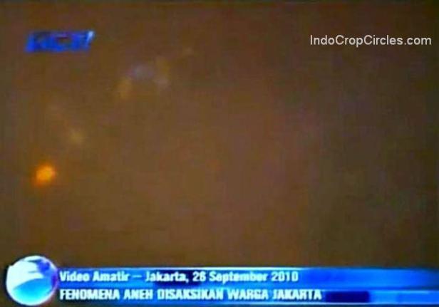 UFO over Indonesia, Jakarta, Benhil, 26 September 2010