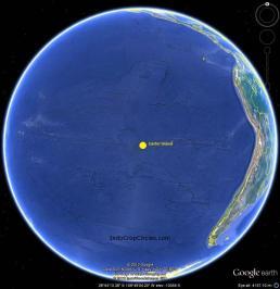 Lokasi Easter Island ditengah Samudera Pasifik jauh dari daratan