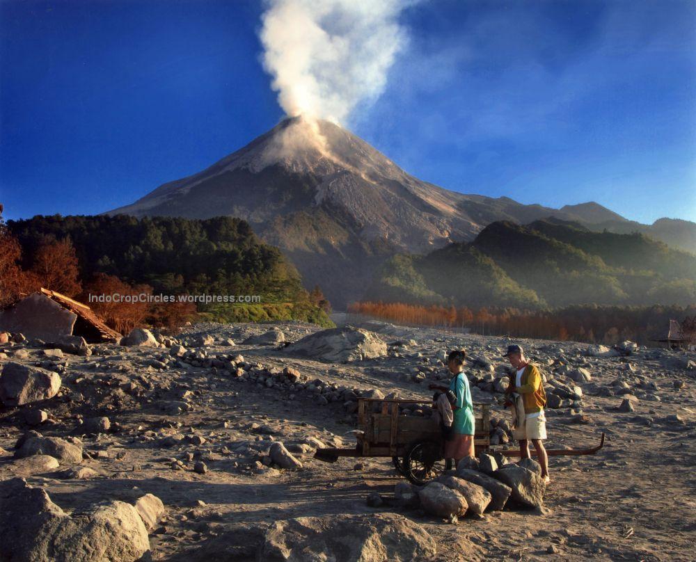 Image result for kisah misteri gunung salak