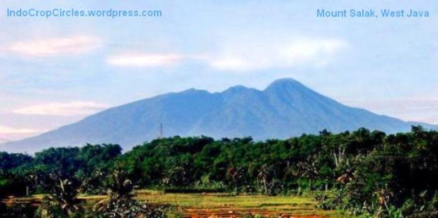 Lima Gunung Paling Angker di Indonesia  TEMPAT ANGKER DI DAERAH BANDUNG