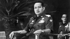 suharto seragam militer 02