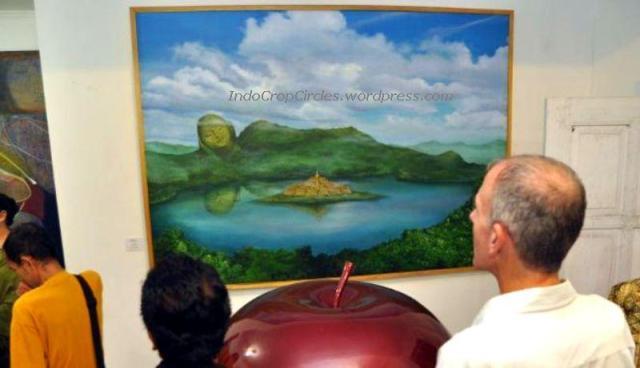 lukisan-candi-borobudur-di-tengah-danau