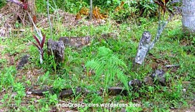 satu dari lima makam kuno di Gunung Padang, Cianjur, Jawa Barat