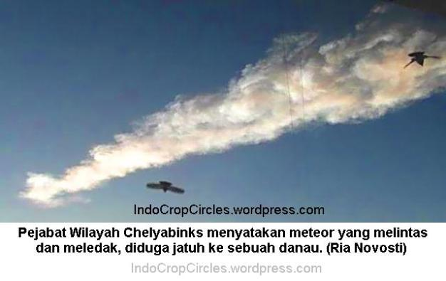 Meteor russia - -meteor-yang-melintasi-kota-chelyabinks