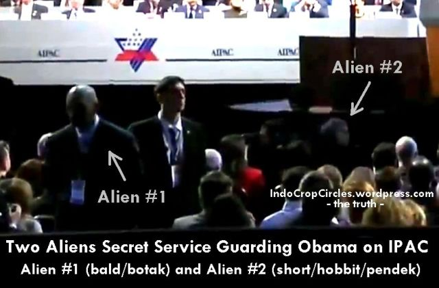 two aliens guaarding obama in AIPAC
