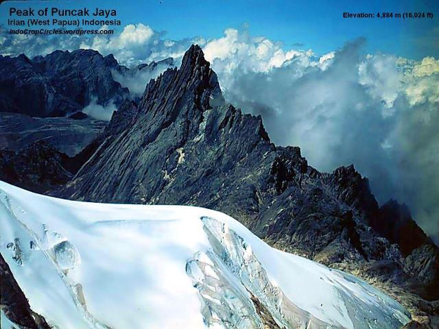Puncak jaya wijaya papua irian and muller-glacier