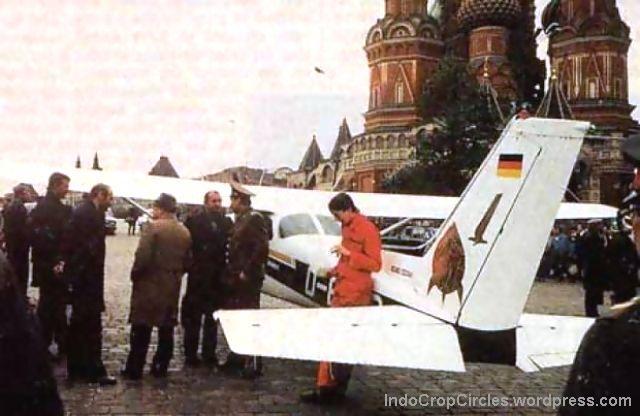 cessna mendarat di lapangan merah soviet 1987
