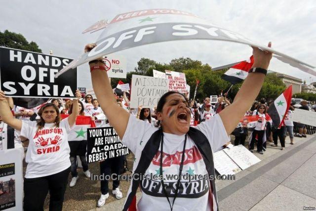 Demonstran warga AS keturunan Suriah di Gedung Putih di Washington DC - 090913