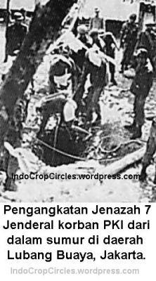 Pengangkatan_Jenazah 7 Jenderal korban PKI di_Lubang_Buaya