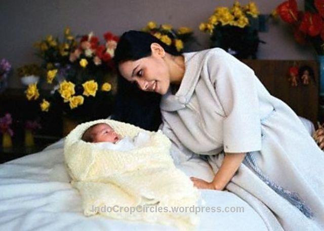 dewi sukarno putri dan Kartika Sari Dewi Soekarno