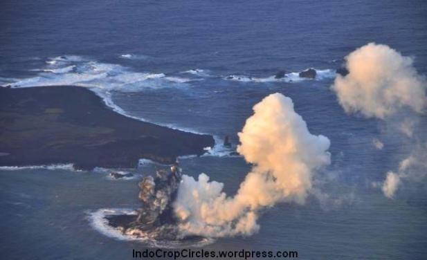 Pulau Ini Muncul Setelah Meletusnya Gunung Api Bawah Laut