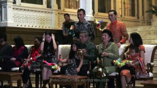 foto-bu-ani-yudhoyono-penampakan-00