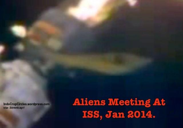 aliens UFO ship docking ISS 02