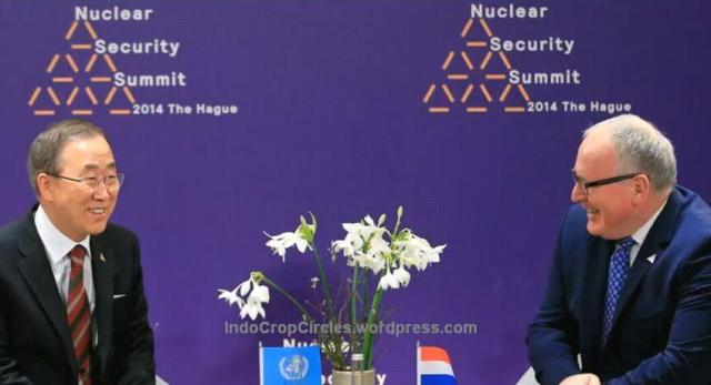 Pin Piramid Illuminati on Nuclear Security Summit 2014 bankimoon belanda