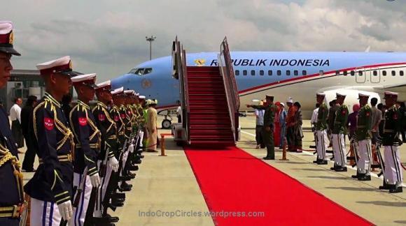Pesawat Kepresidenan RI saat tiba di KTT Asean Myanmar 2014.
