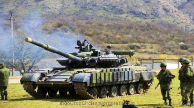 Ribuan pasukan Rusia di perbatasan Ukraina siap menggempur jika negara itu nekat masuk menjadi anggota NATO. (AP).