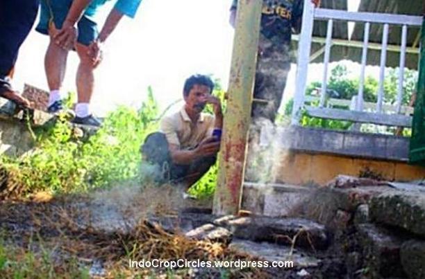 kuburan makam keluarkan asap Probolinggo 2