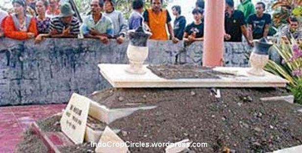 kuburan makam meledak Tulungagung 2