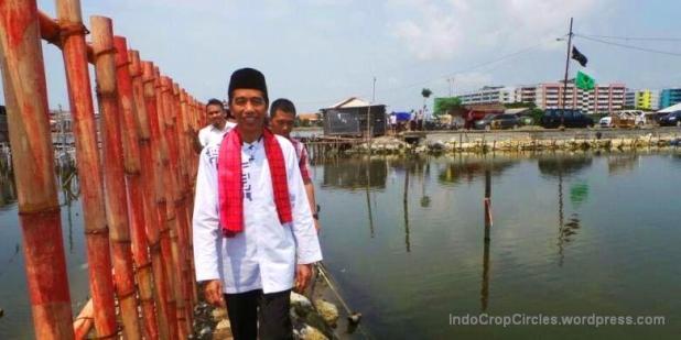 Jokowi setika blusukan di Marunda, Jakarta Utara.