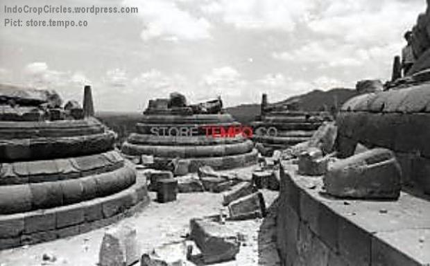 Candi Borobudur Setelah Peledakan di Magelang, Jawa Tengah (Yuyuk Sugarman, tempo.co)