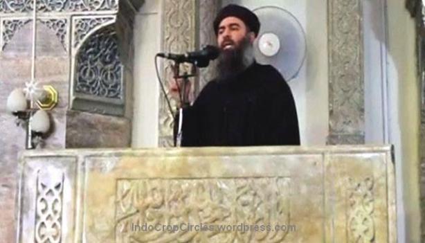Abu-bakar-al-Baghdadi saat khotbah.