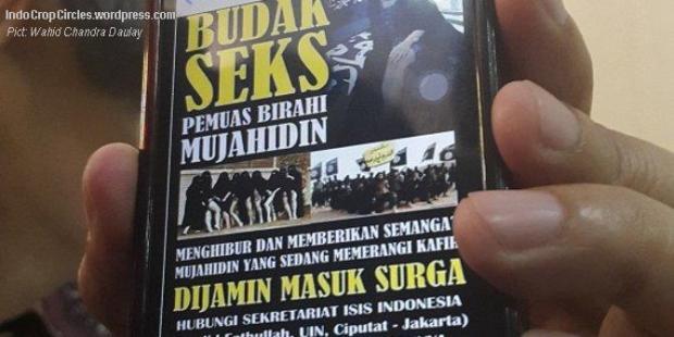 Pamflet ISIS. (©2014 Merdeka.com/Wahid Chandra Daulay)