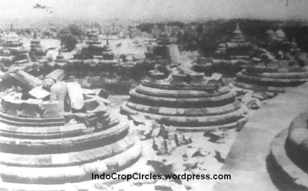 Kondisi Candi Borobudur setelah di bom.