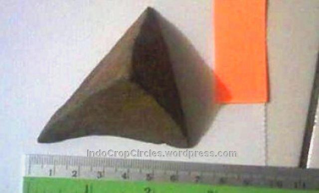 Gunung-Padang-Artefak-Piramida-Nusantara