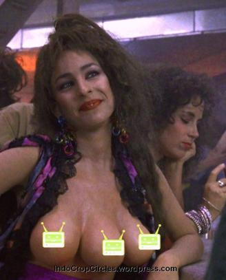 total recall 1990, three 3 boobs
