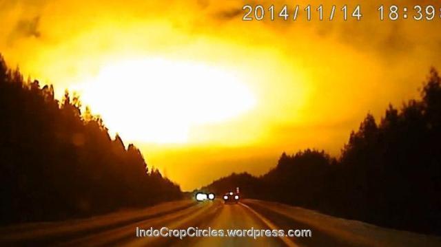 cahaya terang dilangit russia Nov 2014