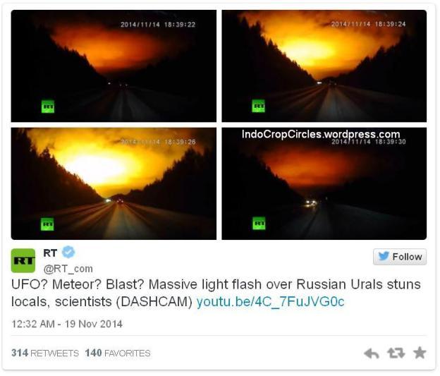 kilatan cahaya oranye dilangit rusia