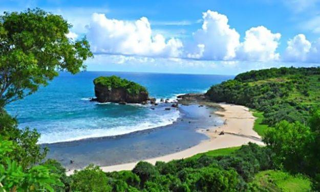 Pantai Wediombo, Girisubo, Gunungkidul