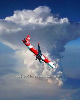 Air Asia 8501 jatuh karena badai diawan Cumulonimbus