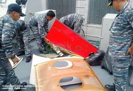 Diketahui KRI Bung Tomo menjadi andalan dalam proses evakuasi AirAsia QZ8510 dan sudah menemukan beberapa jenazah serta serpihan pesawat.jpg