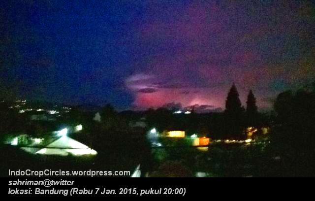 Cahaya Misterius Malam Hari Diatas Langit Sebelah Timur Kota Bandung  01