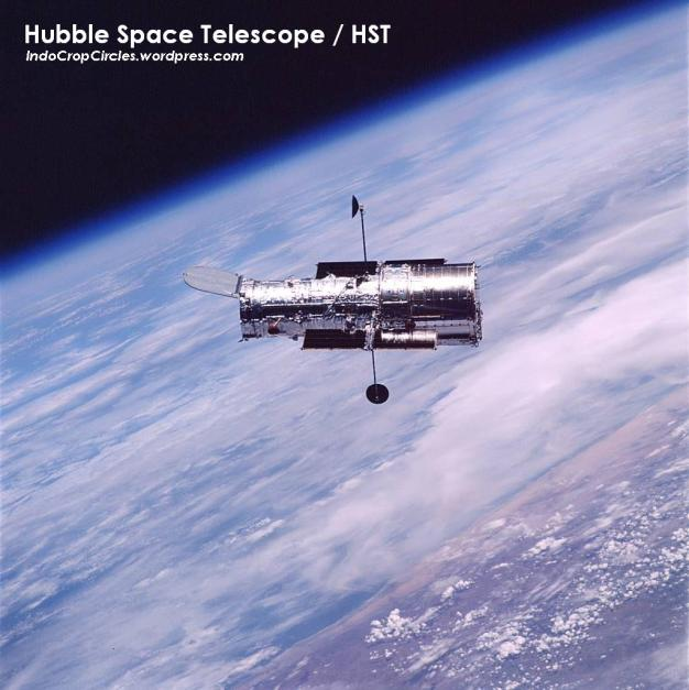 hubble teleskop HTS above earth