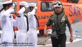 Panglima TNI Jenderal Moeldoko di atas KRI Banda Aceh (REUTERS/Antara Foto/Suryanto/Pool)