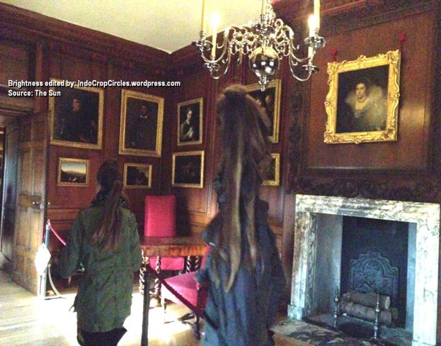 Hantu di Istana Hampton Court ghost 2015 big