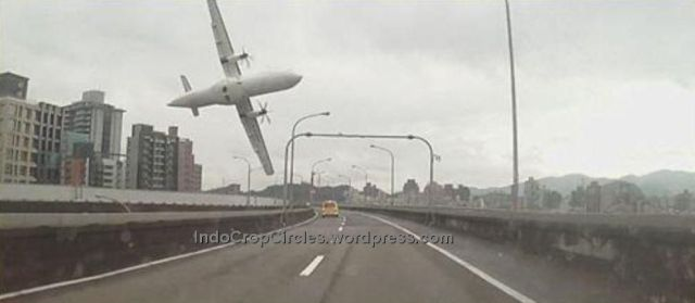 TransAsia crash Taiwan 4 February 2015 camera 01