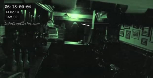 2 Hantu Ye Olde Man and Scythe Pubs