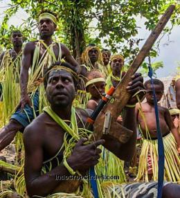 Senjata buatan tangan suku Vanuatu pasifik