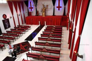 gereja setan di kolombia 02