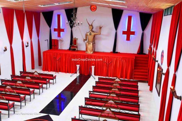 Gereja setan di Kolombia 05