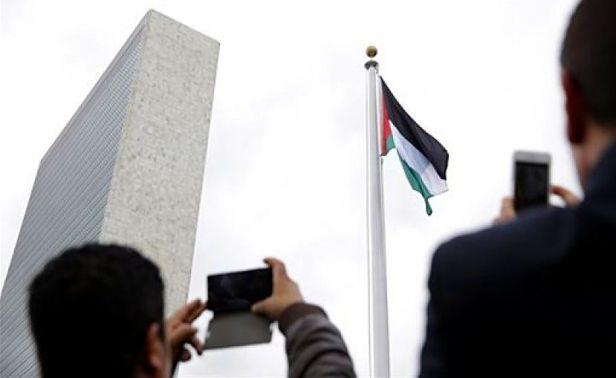 bendera-palestina-berkibar-untuk-pertama-kalinya-di-markas-pbb