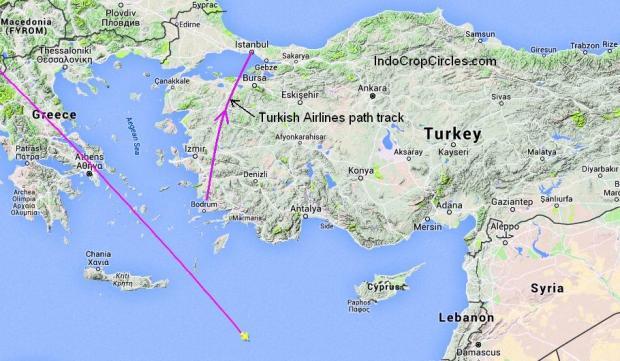 Tampak jalur penerbangan EgyptAir MS804 dan posisi akhir pesawat (warna kuning) yang hilang dari radar, dan tampak jalur penerbangan pesawat Turkish Air yang melihat UFO.