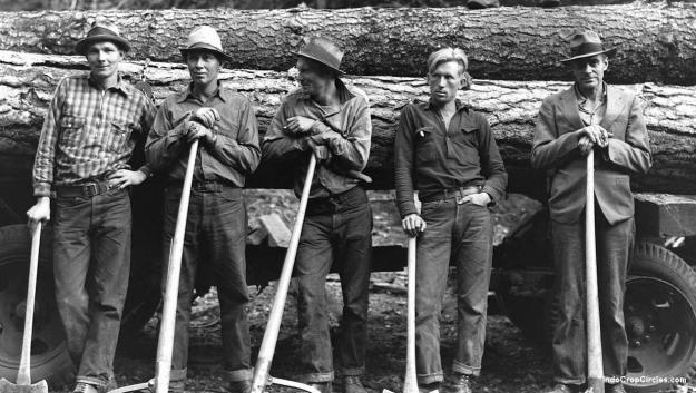 """Para penebang kayu dari Maine yang mengalami """"Jumping-Frenchmen of Maine""""."""