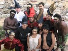 Diaspora suku Makassar dan Aborigin Marege yang sudah akrab sejak duu, dalam teatrikal di Australia.