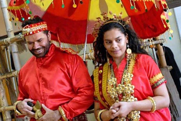 Pernikahan antara suku Makassar dan suku Aborigin Marege dalam sebuah teatrikal di Australia.
